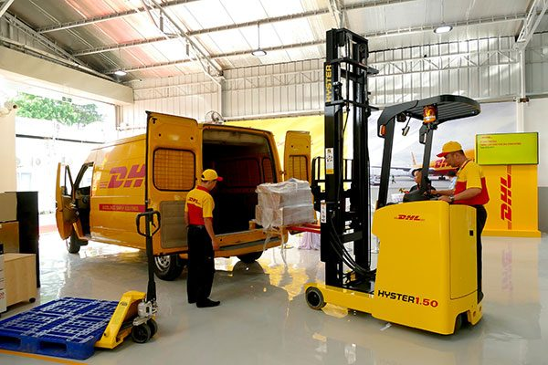 Chuyển hàng đi Mỹ tại quận 9 của DHL cam kết giao hàng đúng hạn, nhanh chóng