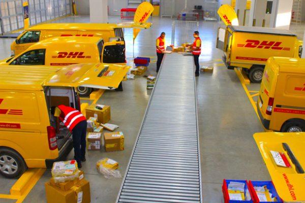 DHL HCM có mức giá là bảng giá chuyển phát nhanh đi Mỹ tại Long An rẻ nhất