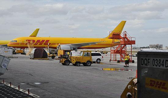 Dịch vụ chuyển phát nhanh DHL đi Mỹ tại Thanh Khê Đà Nẵng uy tín