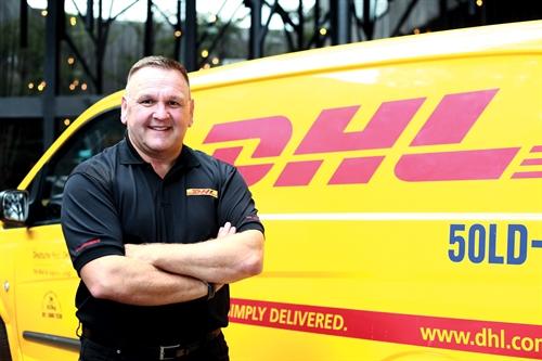 Dịch vụ chuyển phát nhanh DHL đi Ba Lan tại TPHCM 1